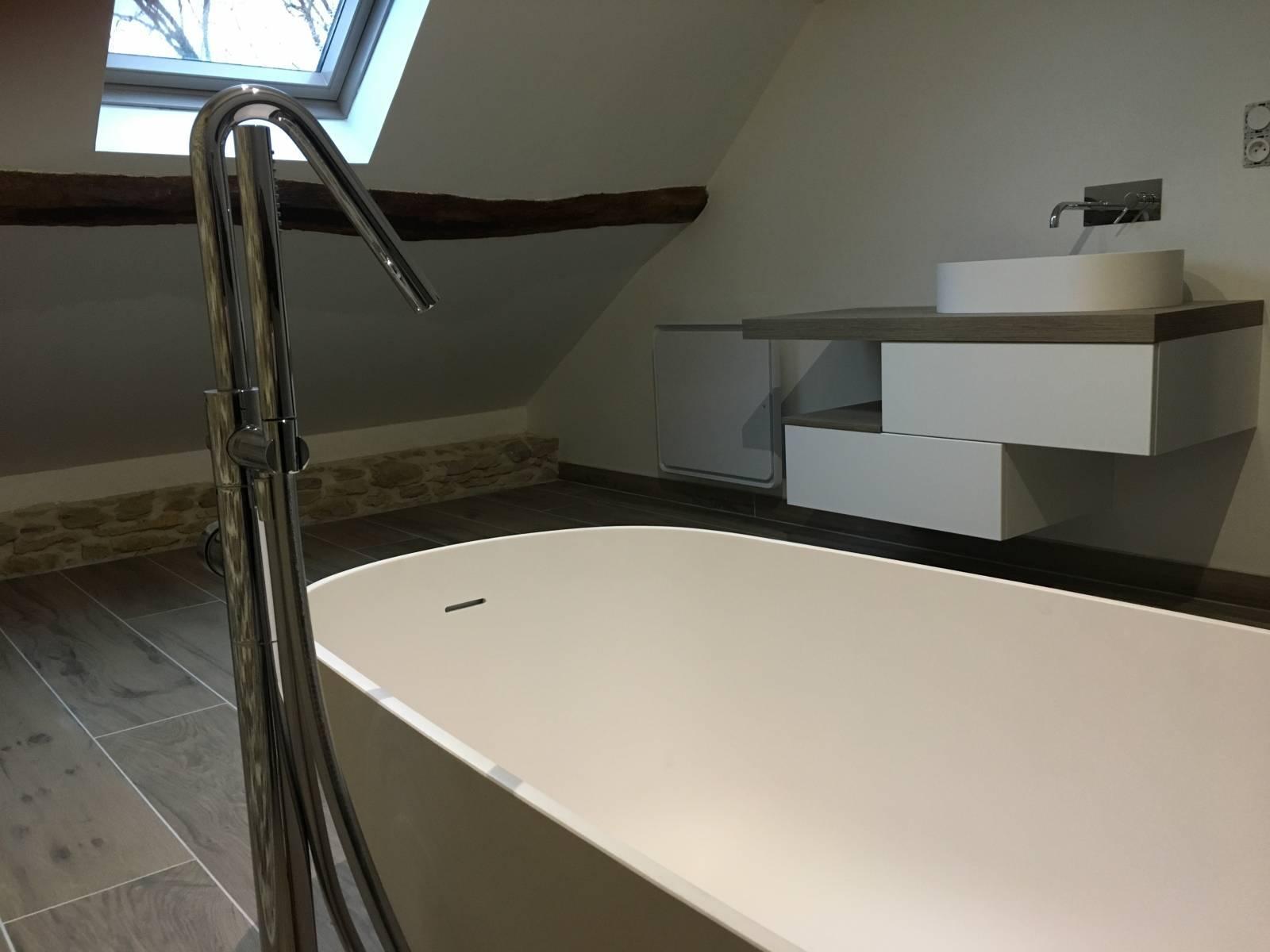 salle de bain sur mesure avec baignoire ilot lyon 2 il bagno. Black Bedroom Furniture Sets. Home Design Ideas